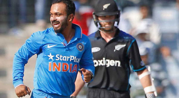 India-vs-Kiwi-3rd-ODI-3-600x330