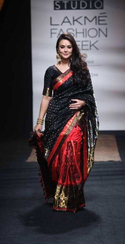Preity Zinta at Sanjukta Dutta at LFW SR 17