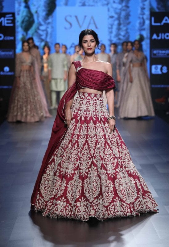 Showstopper-Nimrat-Kaur-for-SVA-at-LFW-SR-17-548x800