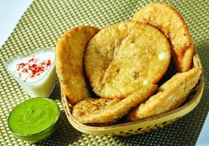 Khasta Besan Kachori Recipe in Hindi