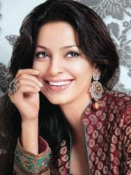 Juhi-Chawla-Smiling-Face