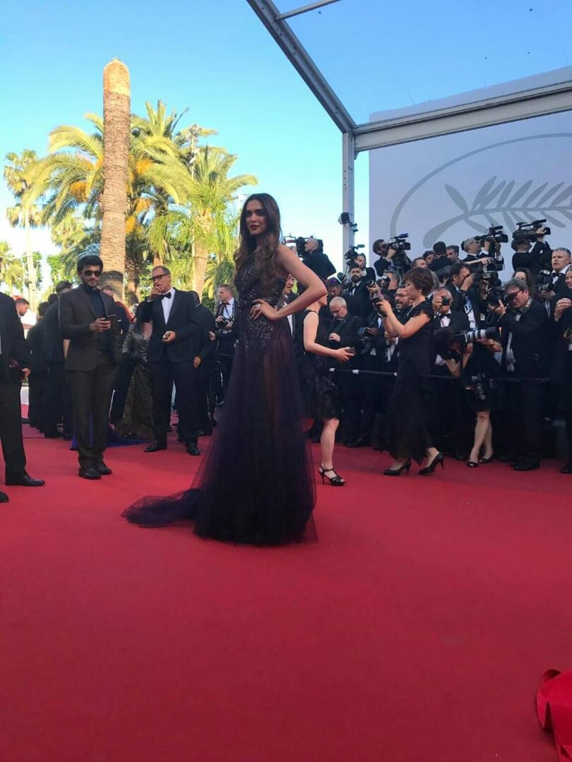 thequint%2F2017-05%2F663671e7-4538-4a7e-a82b-61d068393e29%2FDeepika Padukone on the Cannes Film Festival Red Carpet (1) (1)