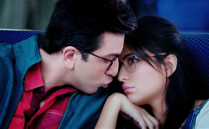 ullu-ka-pattha-video-song-jagga-jasoos-ranbir-katrina-0001 (1)