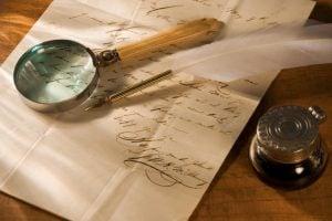 ग्रैफोलॉजिस्ट: लिखावट से जानें व्यक्तित्व