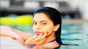 Suhana Shah Rukh Khan swimming pool hot photo shoot