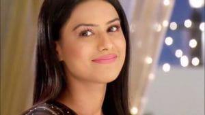 Nia Sharma Trolled Her For Blue Lipstick