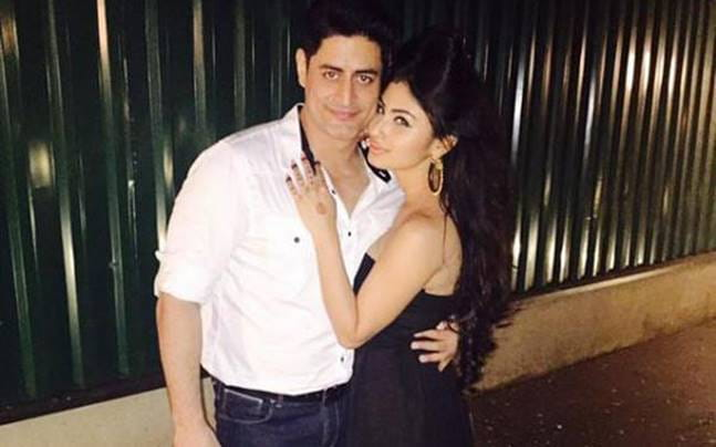 Mohit Raina, Mouni Roy, romance