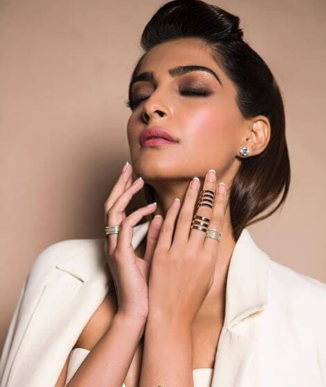 Fashion Diva, Sonam Kapoor, Dubai International Film Festival