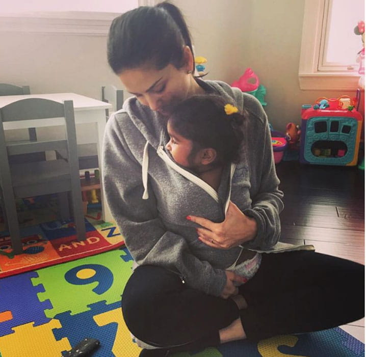 Actress Sunny Leone, Shares Photo, daughter, Nisha, Emotional Post)