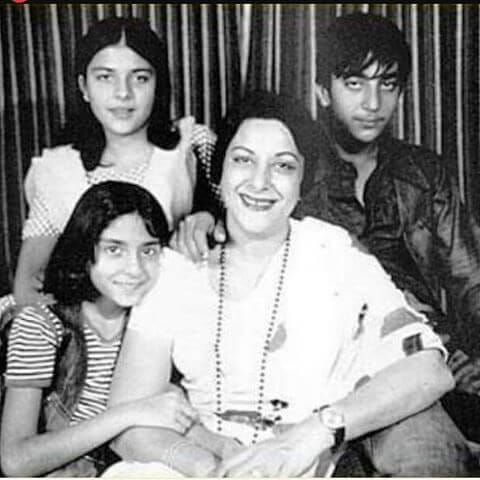 Old Family Pictures of Sanjay Dutt