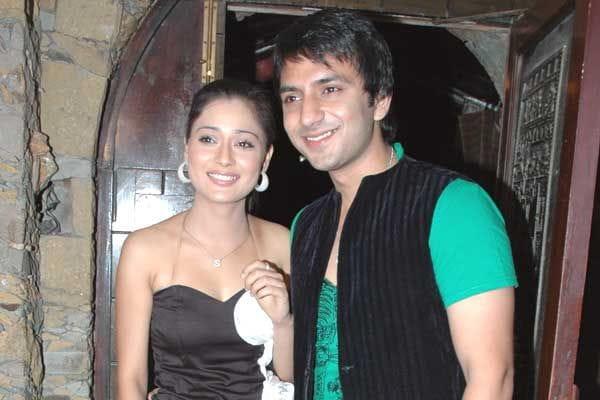 Sarah Khan and Ali Merchant