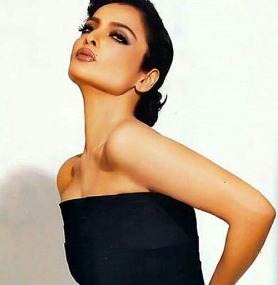 Sexy Pics Of Rekha