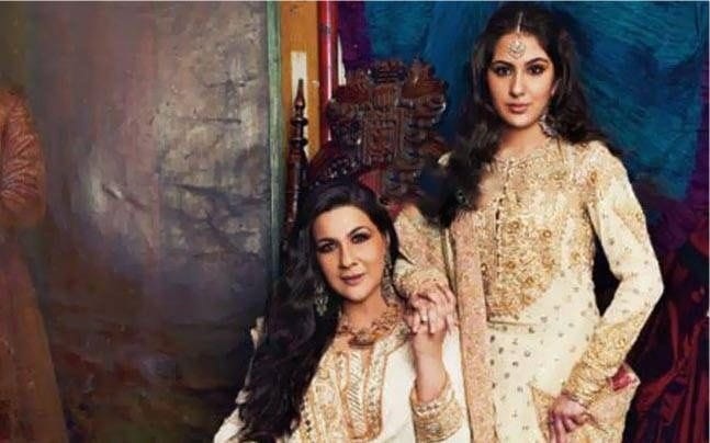 Sara Ali Khan With Her Mom