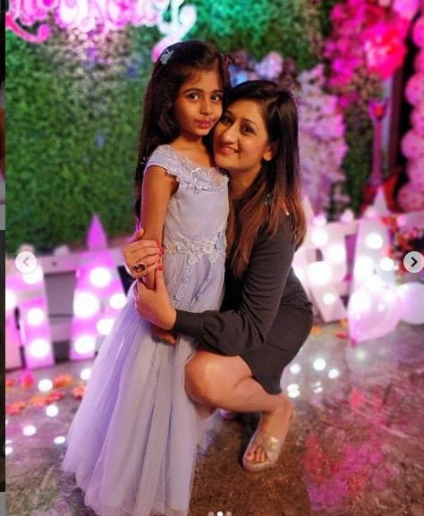 Juhi Parmar's With Her Daughter