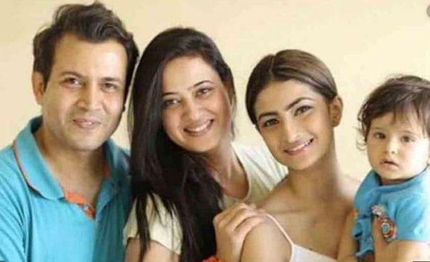 Shweta Tiwari Family Photo