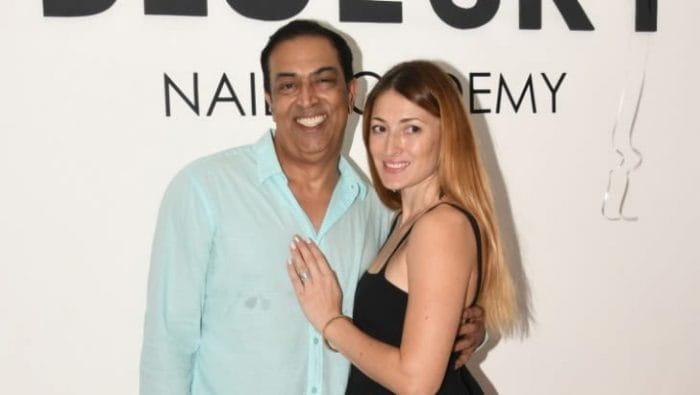 Vindu Dara Singh and Dina