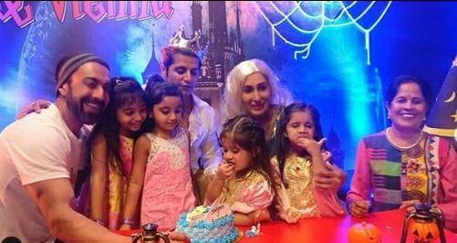 Karanvir Bohra And Wife Teejay Sidhu