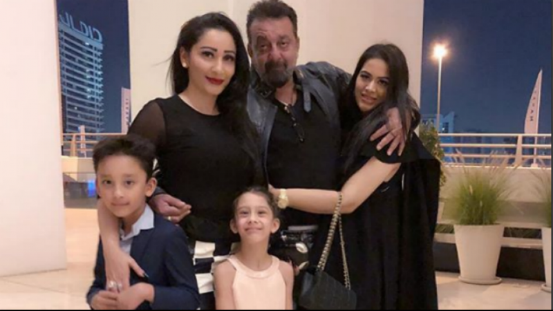 Sanjay Dutt Family Photo
