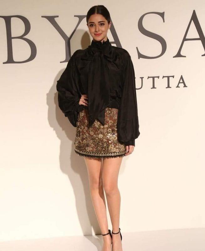 Ananya Pandey's Stylish Skirt Look cute