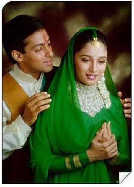 Madhuri Dixit Salman Khan - Green lehenga -Film Maine Pyar Kiya Famous Clothes
