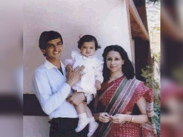Deepika Padukone with her parents childhood pic