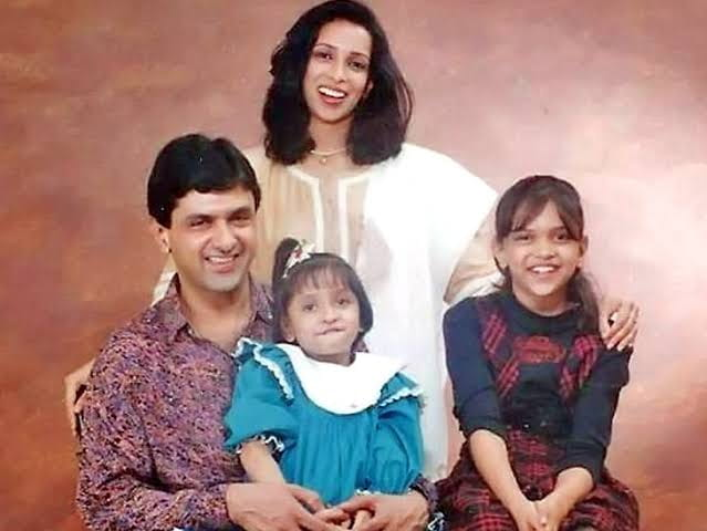 Deepika Padukone Childhood Pictures with family