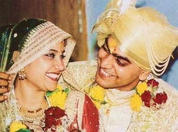 Renuka Shahane- Ashutosh rana marriage photo