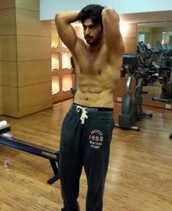 Arjun Kapoor showing Abs