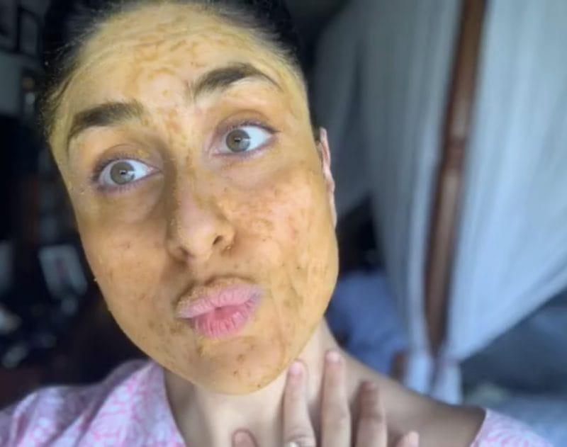 Kareena Kapoor Khan face pack selfie
