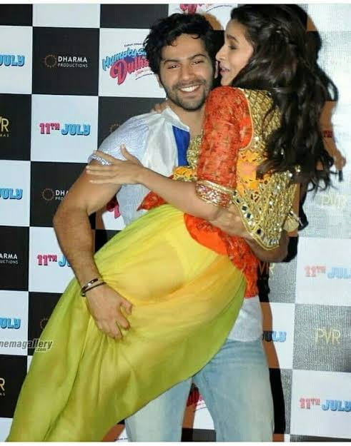 Alia Bhatt oops moment with Varun