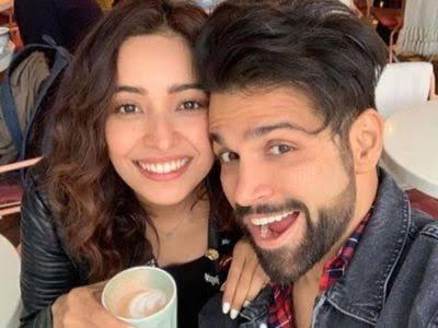 Asha Negi And Rithvik Dhanjani selfie