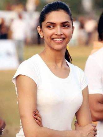 Deepika Padukone natural look