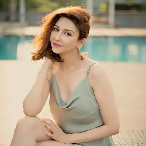 Saumya Tandon hot