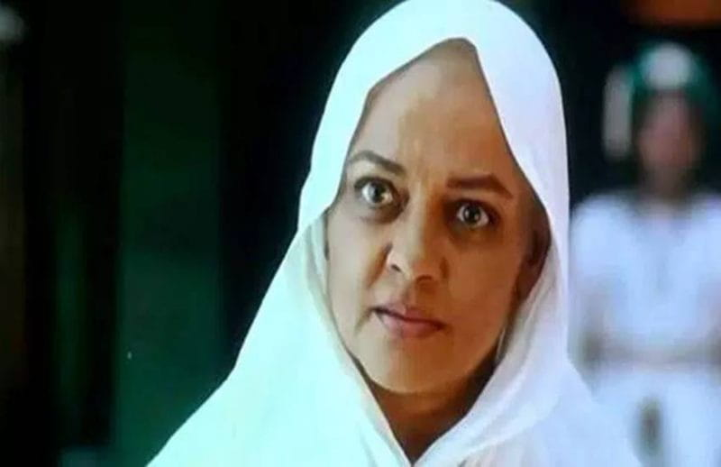 Tanvi azmi bald look