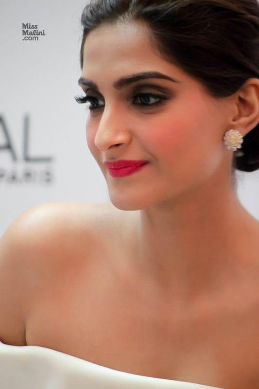 Bollywood Divas Makeup Tricks